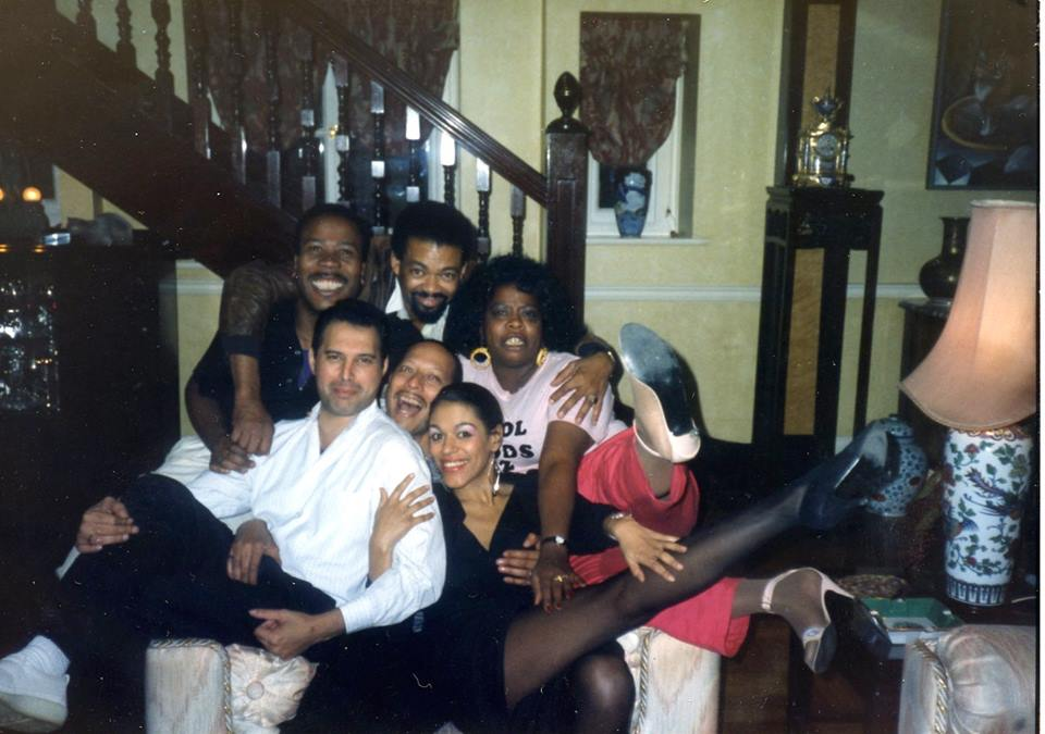 "Freddie Mercury, Carol Woods, Dale Shields and the London cast of ""Blues in the Night"" (Debby Bishop, Carol Woods, and Peter Straker) LONDON, ENGLAND (UK) (At the London home of Freddie Mercury)"